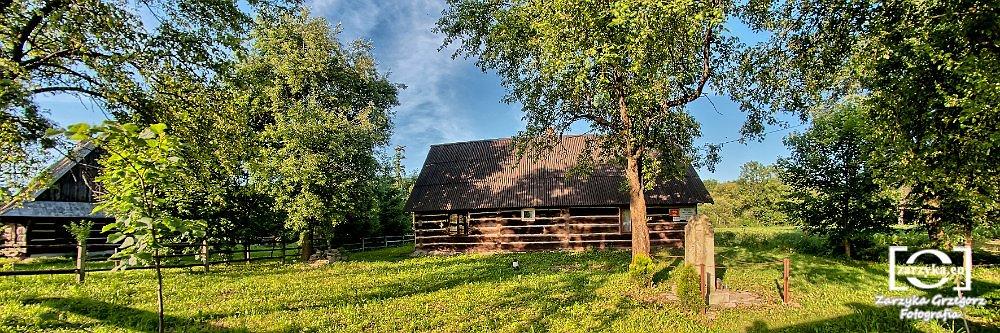 Zyndranowa-Muzealna-Chata-Lemkowska.jpg